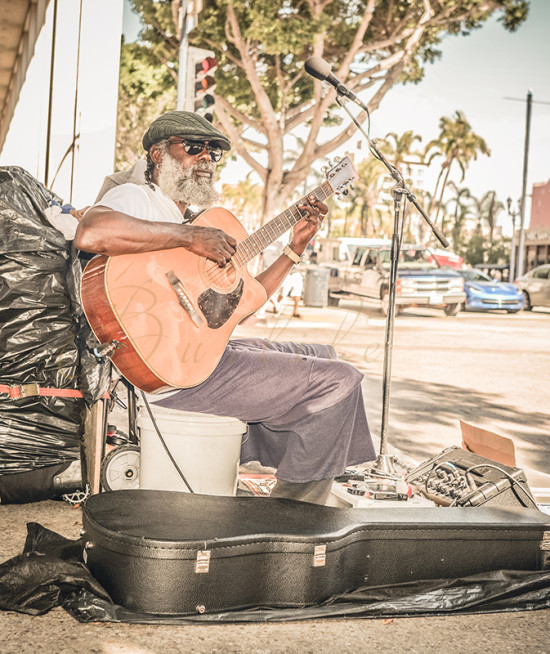 downtown-san-diego-guitar-player2